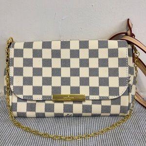 Handbags - Louis Vuitton 8.3 x 5.5 x 1.5 White